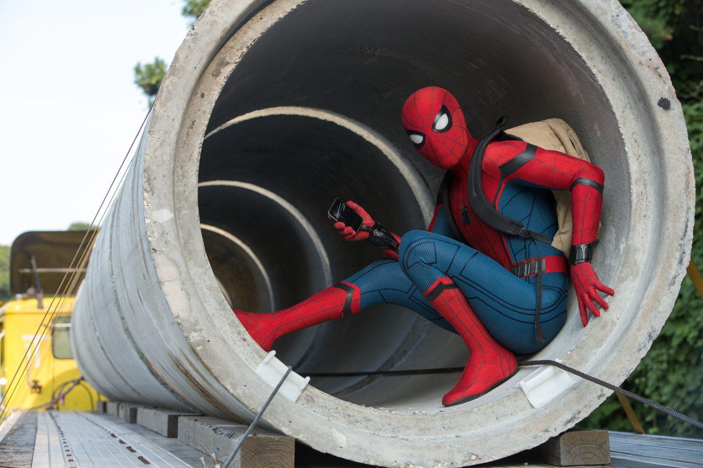 Spider-Man in einer Röhre