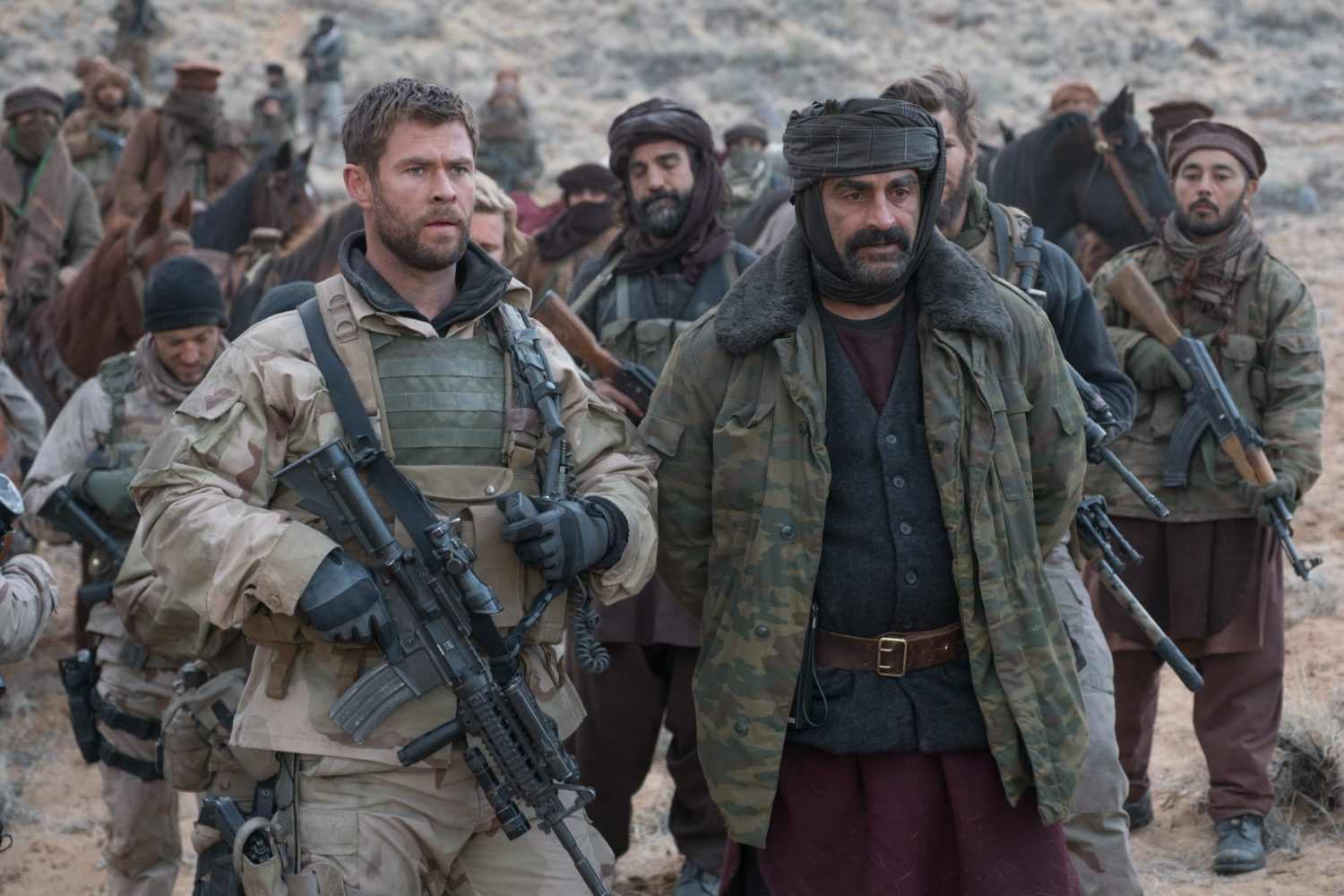 12 Strong Operation 12 Strong Chris Hemsworth Soldaten Kriegsfilm Review Kritik Blu-ray Heimkino Titel Verbündete