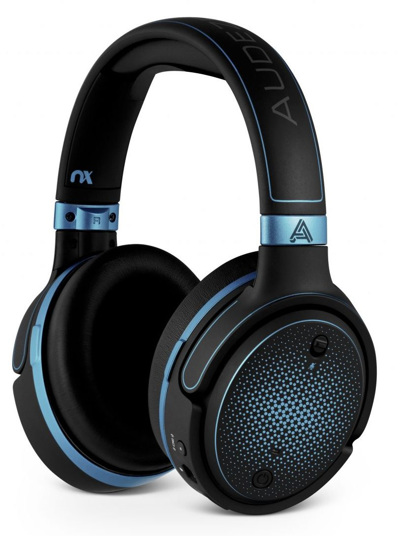 Audeze Mobius Gamescom 2018 3D Bluetooth Gaming Kopfhörer Gaming Headphone VR Headtracking Blau Seite