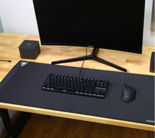 Gaming Tastatur XXL Mauspad Aukey Gamer LED Review Test Kritik Gamer Mauspad