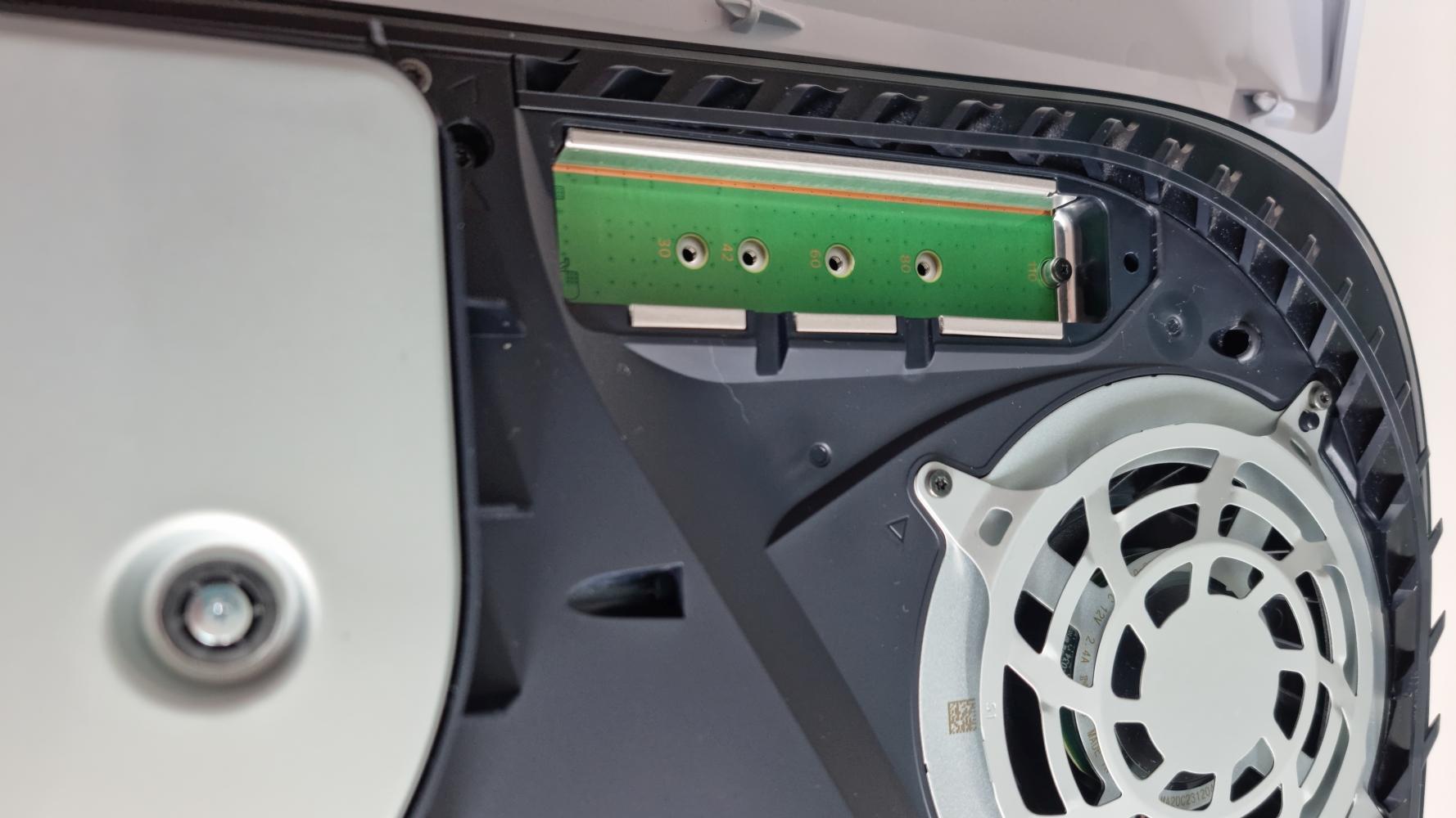 PlayStation 5 PS5 PCIe-4.0-SSD Speichererweiterung externe M.2 NVME SSD Ladezeiten Geschwindigkeit Vorteile Kühlkörüer Glotrends M.2 IcyBox RSHtech Leer